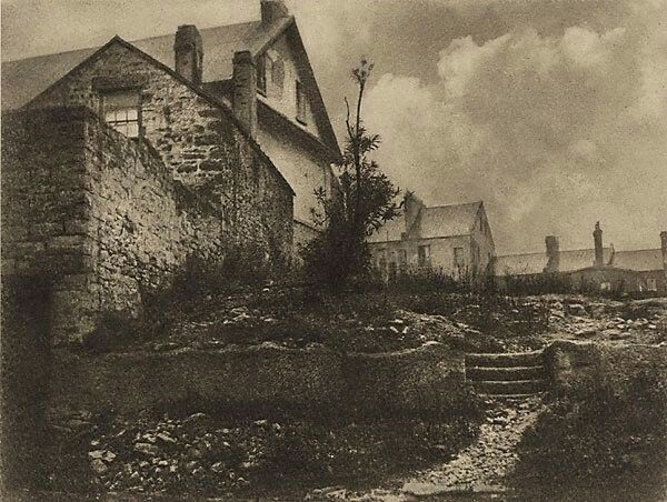 Old cottages at the Rocks,in Sydney in 1912. Harold Cazneaux photo.