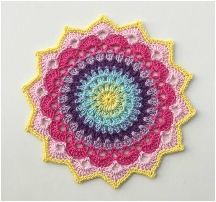 "Colorful Mandala ""Magnolia"" – Free Pattern – Craft Addicts"