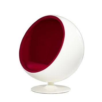 The white and red Replica Ball Chair, famous for its unique shape and its 1960s post-modern design, features a white plastic shell and a black polyurethane inner. The Replica Ball Chair was originally designed by Eero Aarnio and has a swivel base. The Replica Ball Chair measures 125 cm x 90 cm x 98 cm. It is also available in white / black and white.