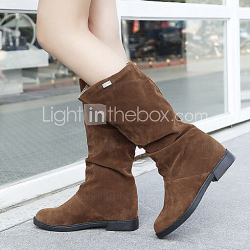 Women's Shoes Suede Wedge Heel Fashion Boots / Round Toe Boots Casual Black / Brown / Red - USD $18.99 ! HOT Product! A hot product at an incredible low price is now on sale! Come check it out along with other items like this. Get great discounts, earn Rewards and much more each time you shop with us!