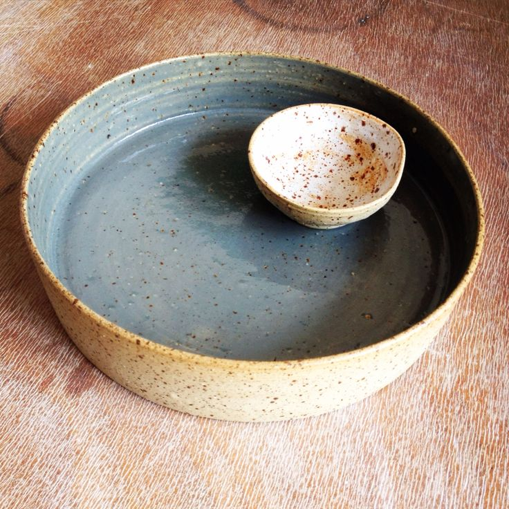 Bowl by day, Cheeseplatter by night #LiLo's Keramiek #Stoneware #Ceramics #Handthrown