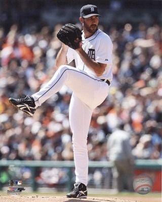 Justin Verlander Home Pitching Vertical 8x10 Photo - Detroit Tigers Souvenir Shop - Detroit Tigers - Detroit Athletic