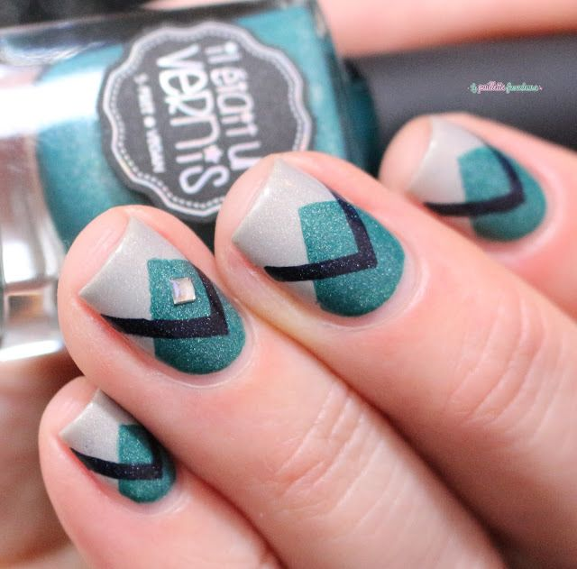 Il était un vernis IEUV #monsieurjetaime #hashtag collection - triangle geometric green and cream nail art
