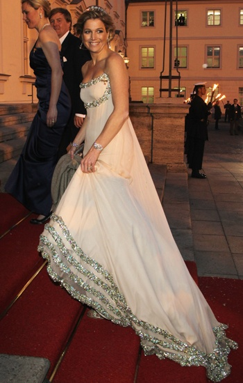 Maxima in een prachtige jurk van Jan Taminiau