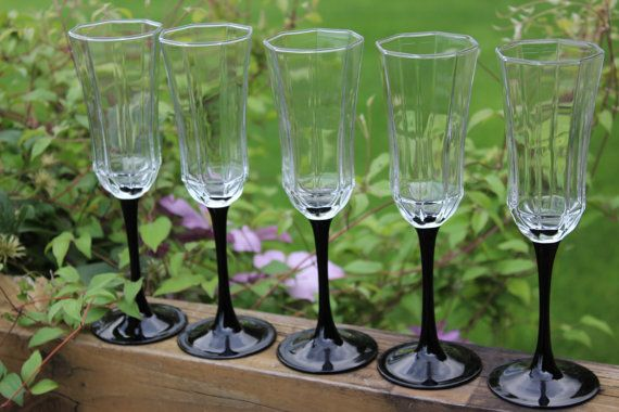 7 vintage Arcoroc Octime champagne flutes by polkadotsandcurls
