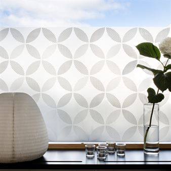 Decorate your home with this stylish window screen film Petals from Siluett Frost. Leaves no marks and it provides perfect insight protection.