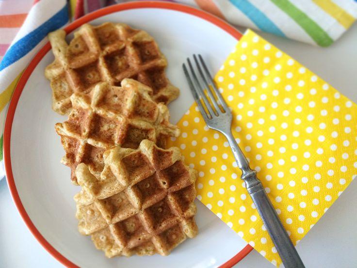 Az+almától+édes,+a+zabliszttől+könnyű,+a+felvert+tojástól+légies,+az+egész+pedig+abbahagyhatatlan.  Szeretem+a+régi+jól+bevált+édességeket,+amiket+én+is+imádtam+gyerekkoromban,+kicsit+újra+gondolni.+Hogyan+lehet+cukor,+fehér+liszt+és+tej+nélkül+úgy+megcsinálni,+hogy+mégis+finom+legyen.+A+lényeg,…