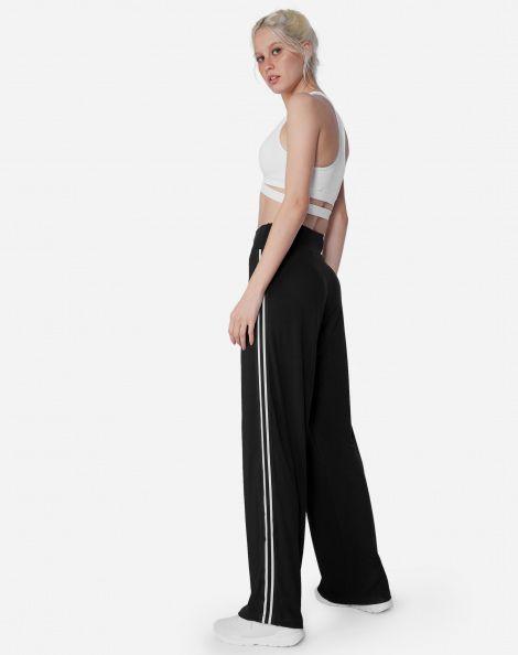 7e01a3dda64c8b Calça pantalona com listra lateral