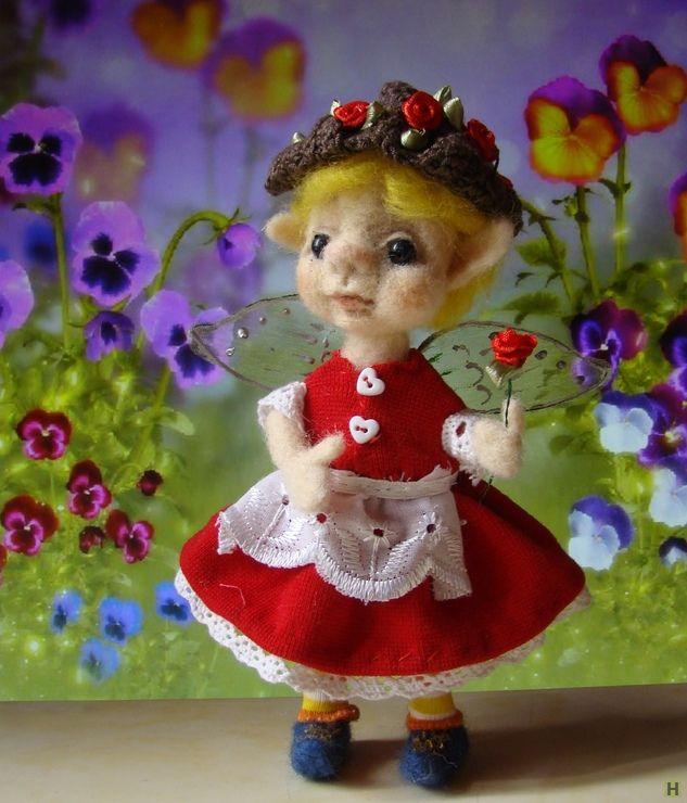 Кукла валяная эльфочка соль купить недорого в интернет магазине товаров ручной работы  HandClub.ru  Эльфочка по имени Сольвейг или Соль. Это скандинавское имя означает - солнечная. Маленькая эльфочка такая и есть, этот чудный ребенок принесет свет и радость в любой дом.