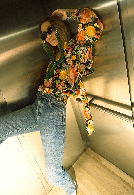 Native Fox - Jennifer Grace : Up - Photo 5: Balenciaga