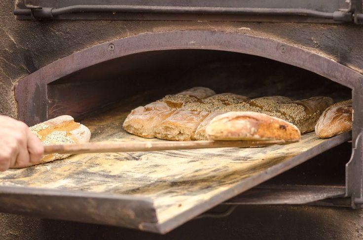 Fare il pane in casa e gustarlo, appena sfornato, caldo e fragrante ecco gli errori più comuni da evitare per realizzare l'impasto perfetto.
