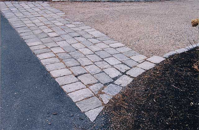 10 best kick up your driveway with a cobblestone apron for Cape cod stone and gravel