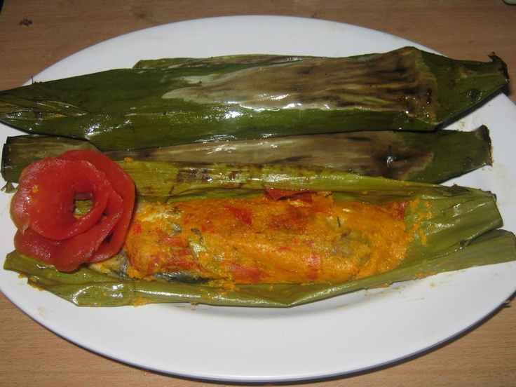 Grilled fish in banana leaves pepes ikan indonesian for Captain d s grilled white fish filet