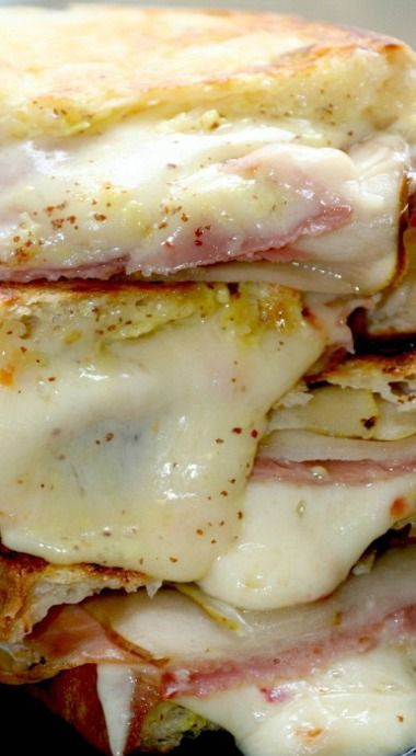 Habanero Jack Grilled Cheese with Pears & Proscuitto