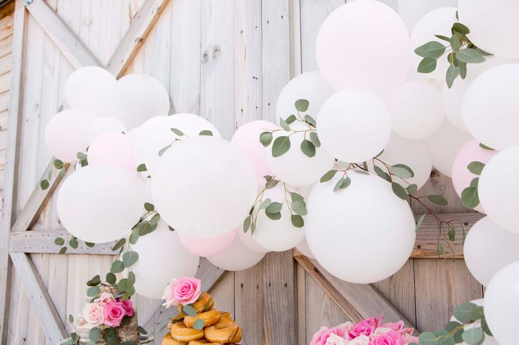 how to create a balloon garland the easy way