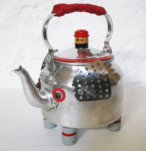 The Teaphant: an Elephant Teapot  http://1unik.blogspot.com.es