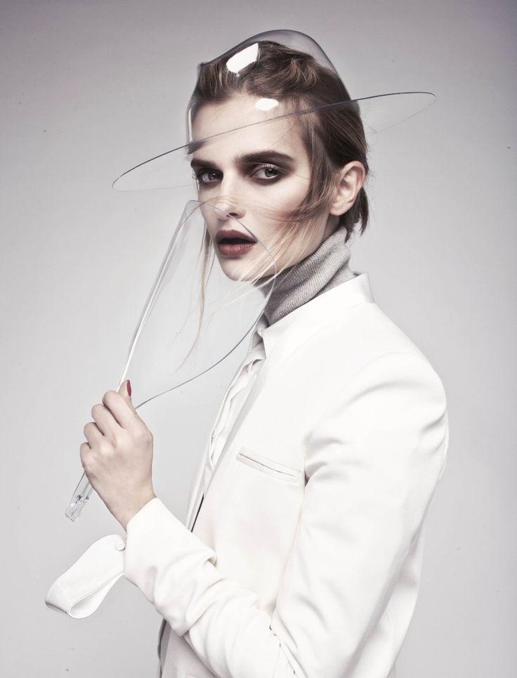 Dark Eerie Makeup, pale face