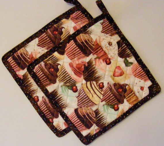 Quilted Potholder Set Cupcake Pink Brown by LJsCustomCreations