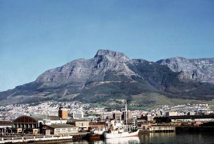 Table Mountain in 1968 - Look at all those trees! - cometocapetown.com