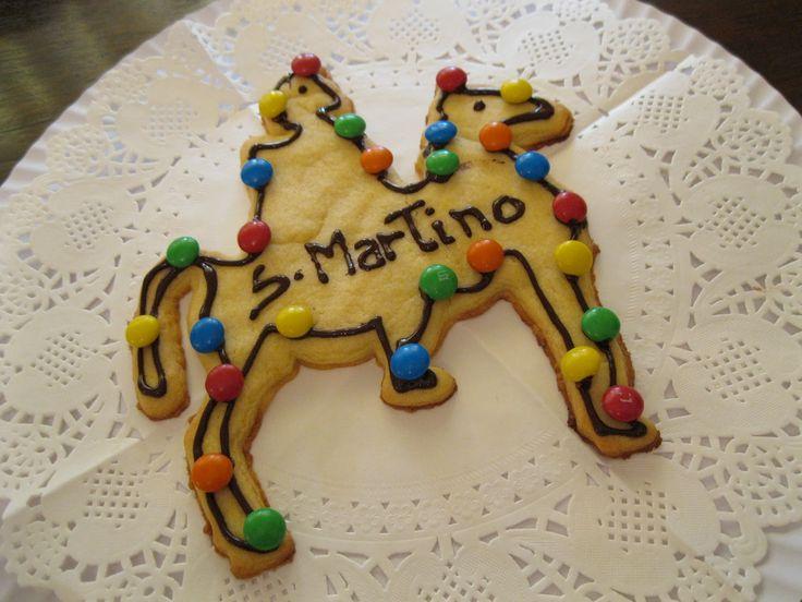 Il San Martino è il dolce tipico che si mangia a #Venezia l'11 di Novembre.