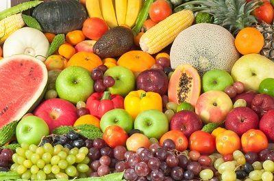 Fructele reprezintă cele mai sănătoase alimente - dar cum se consumă ele corect?     Curios dar adevărat oamenii nu știu când și cum să mănânce fructele. Fructul este mâncarea cea mai prețioasă dătătoare de viață de energie din câte există. Fructul este cel mai important aliment pe care îl putem consuma vreodată dar trebuie să știm exact când și cum trebuie să-l consumăm.   Strămoșii noștri au fost fructivori (frugivori). Ei au consumat fructe zeci de mii de ani. Pentru organism fructele…