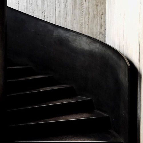 Some morning #stairporn for you.. All about this sweeping black...