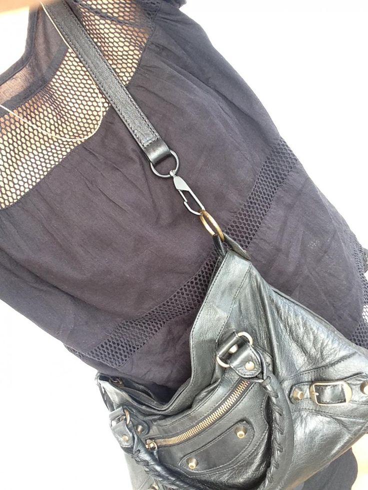 Anchor Chain..Shirt/Neo Noir, Bag/Balenciaga http://hvi.sk/r/6xrd #Hvisk #Hviskjewellery #Hviskstyling #Gold #jewellery #Balenciaga #Isabelmarant #Balenciagafirst