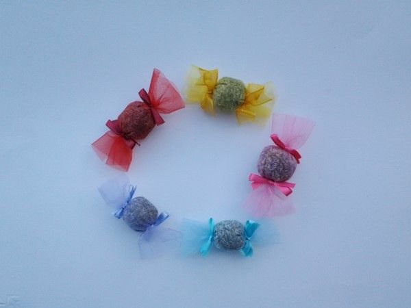 Fantastiche #caramelle al profumo di lavanda.   Scopri come sono fatte e acquista gli altri prodotti della nostra creatrice iscritta: http://gianclmanufatti.wix.com/giancl---manufatti#!creazioni-profumate/c7q5