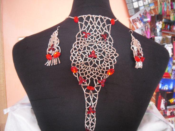 vyrobené na stužkovú slávnosť,aplikované na chrbte