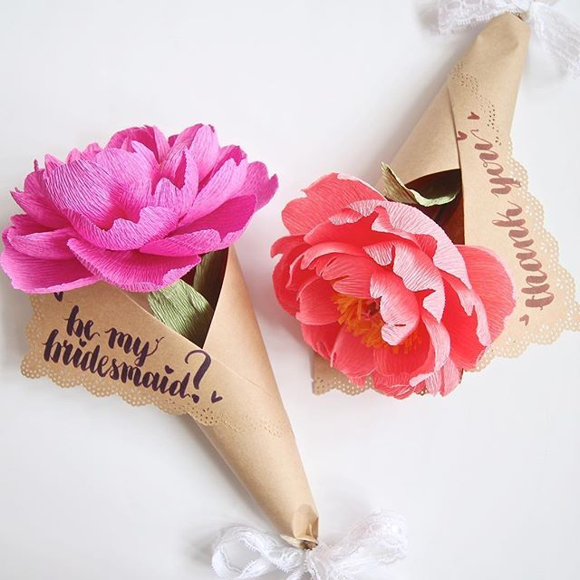 Send your loved ones a sweet message with a beautiful full peony bloom! Each peony is about 14cm wide and comes wrapped in Kraft paper, colours and message fully customisable. More details on my website! #paperpeony #crepepaperpeony #crepepaper #paperflower #paperflowers #handmadeflowers #handmadeblooms #madefrompaper #paperblooms #sgcrafters #sgcraft #madeinsg #bouquet #handmadebouquet #paperbouquet #handlettering #amateurcalligraphy #brushpen