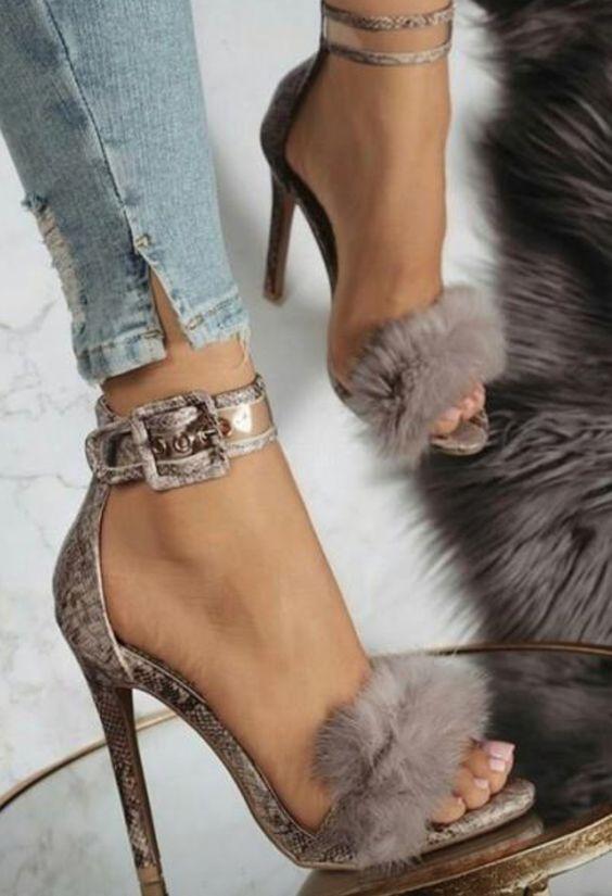 517ae7fb7d Onde Comprar Sapatos Femininos Lindos e Baratos#sapatos #sapatosfemininos  #sapatoslindos #sapatofeminino #sandalha #sapatoalto #sandalhaalta #shoes #  ...