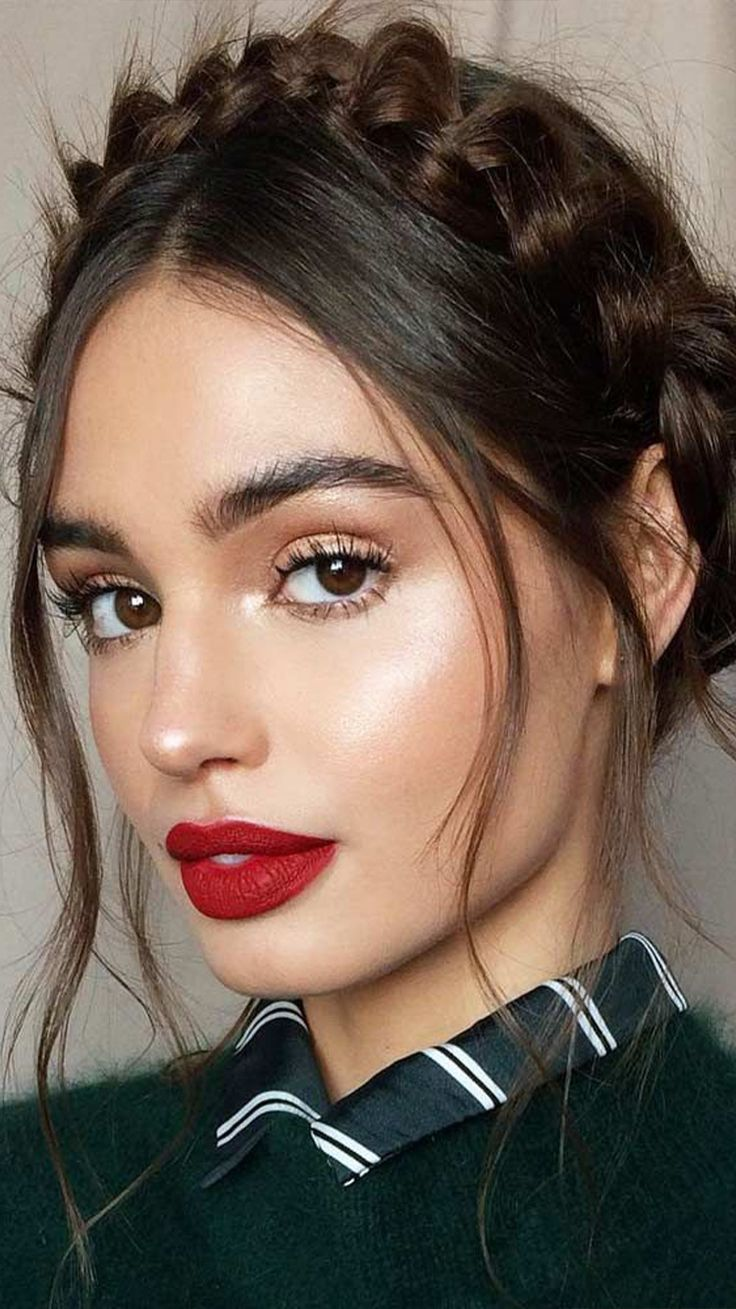 Whether you have a date, a fun night with friends, or you just want to bring some of the romantic Valentine's vibe to your life, makeup is one of the best ways to do so. #valentines