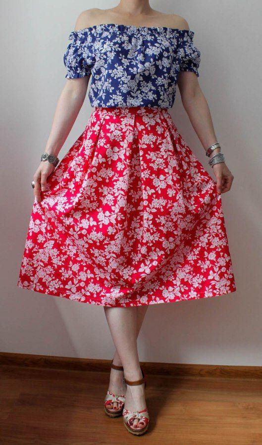 jak uszyc, blog krawiecki, blog o szyciu, bluzka w kwiaty, bluzka z odsłonietymi ramionami, retro szycie, retro ubrania handmade, spódnica retro, spódnica z zakładkami, styl retro, szycie na maszynie, szycie ubrań, wykroje Burda