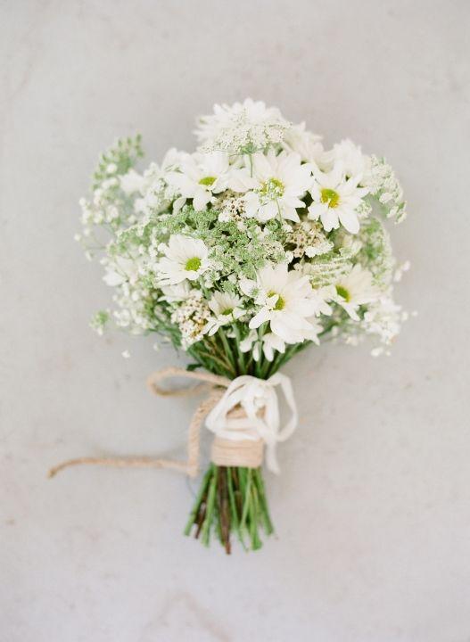Bridesmaid bouquet - white chrysanthemum, baby's breath, Queen Anne's lace Bridesmaid bouquet idea