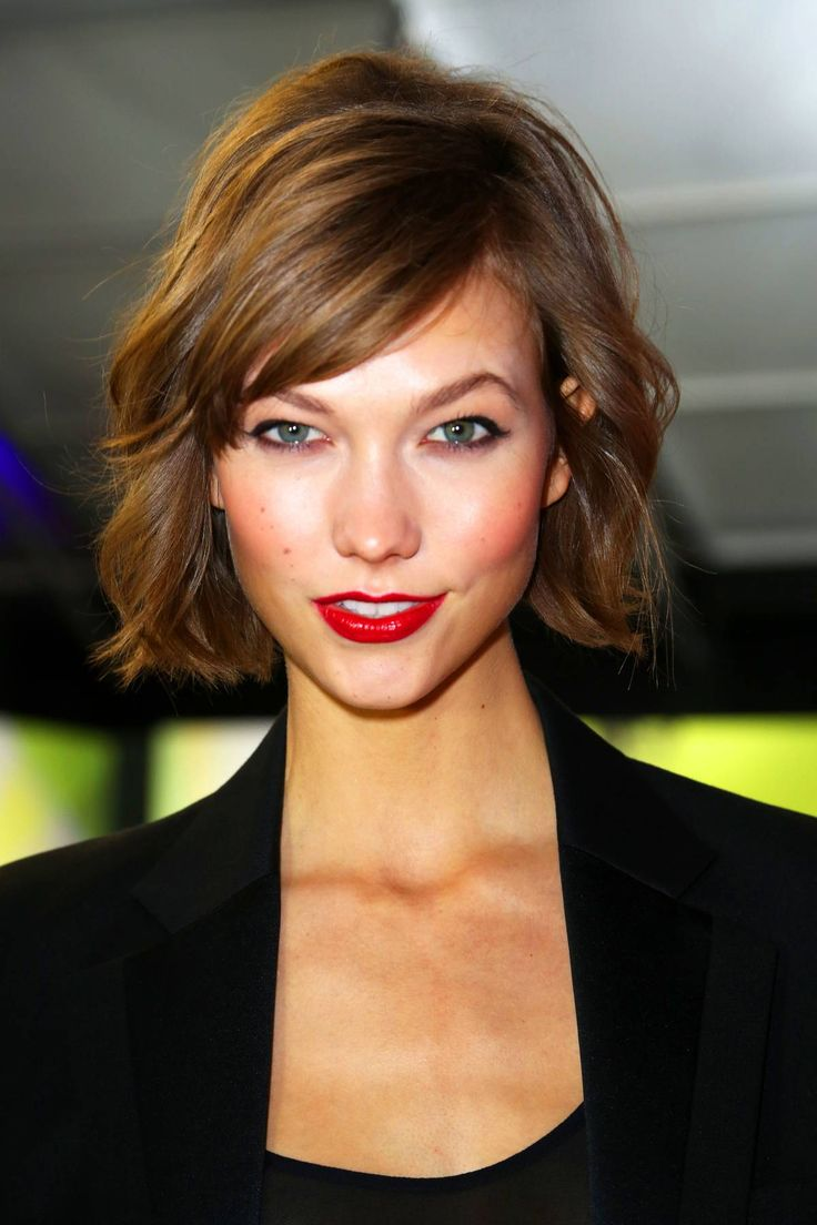 29 of the Best Bob Haircuts in History - The Cut: The Anti-Model Bob: Karlie Kloss, 2013