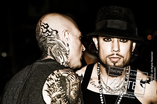 Evan Seinfeld  talks to Dave Navarro