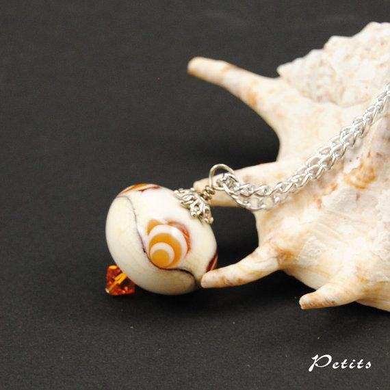 Matrioska Ivory: catenina argentata con perla a di LampworkAndMore