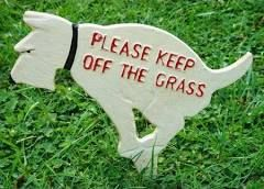 Rustic Cast Iron Dog Front Yard Sign Stake Dogs Keep OFF THE Grass ...
