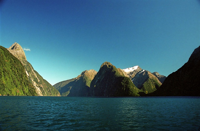 Beautiful scenery, Milford Sound  New Zealand