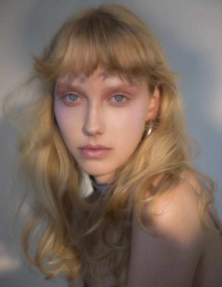 merel shot by carlijn jacobs make up by Daivd Koppelaar