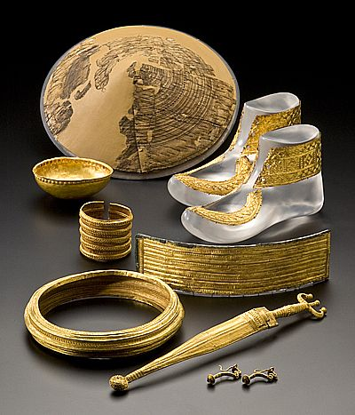 HOCHDORF TOMB: Objects found in the Chieftain's burial (circa 530 BC). The tomb was unearthed in 1978-79 shows the treasure belonging to the end of the Hallstatt Period.