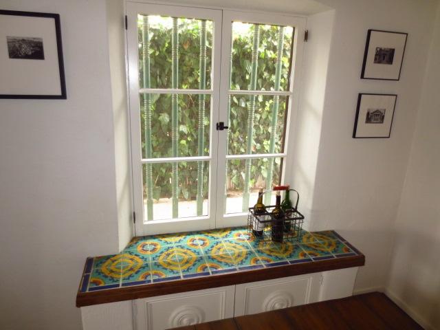 The 25+ best Tiled window sill ideas on Pinterest | Window ...