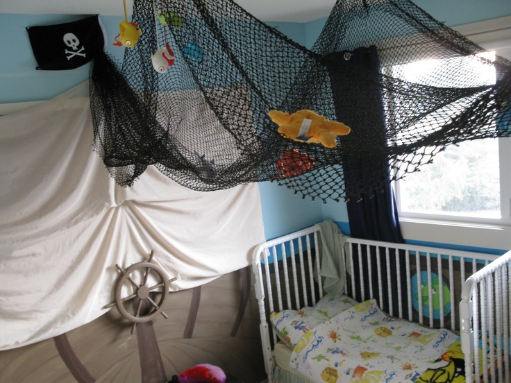 17 best images about pirate stuff on pinterest for Boys pirate bedroom ideas