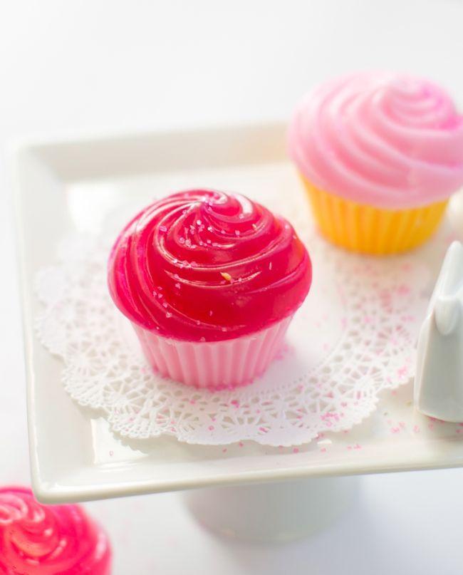 Making cupcake soap + mini cupcake stand   Henryhappened.com