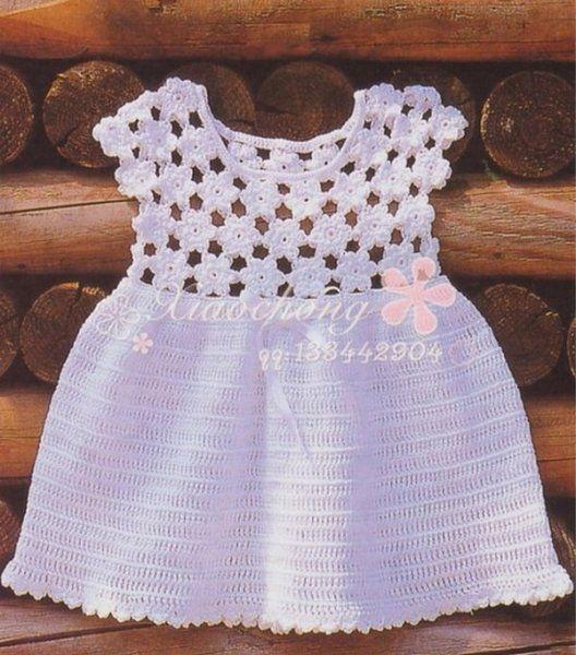 Robe blanche au bustier fleuri et ses grilles gratuites ! - Modèles pour Bébé au Crochet