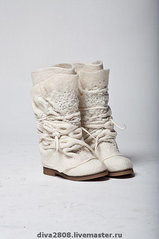 """Обувь ручной работы. Ярмарка Мастеров - ручная работа Сапожки валяные """" Свадебные"""". Handmade."""