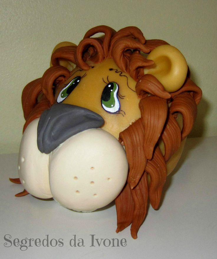 BI66- Mealheiro leãozinho