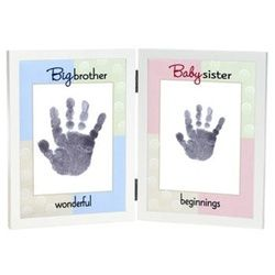 big brother baby sister prints. Would love to do something like this for Andrew and his baby sister to be :)