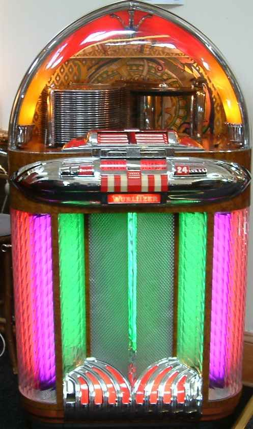 """Wurlitzer 100 Jukebox. The last of the """"cl assic"""" jukeboxes. What every man cave needs!"""