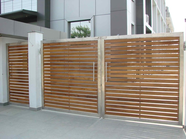 Google Image Result for http://mrinaalinternational.com/Mrinal%2520international/STAINLESS%2520STEEL%2520GATES/DSC00813.jpg